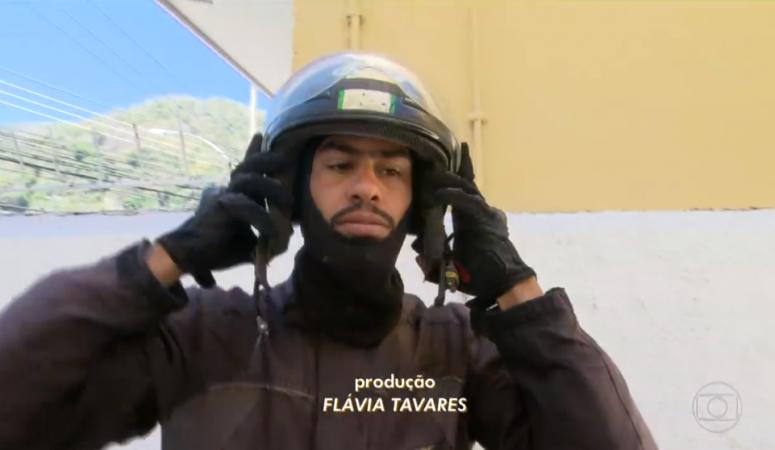 Nadador, Daniel Teófilo se divide entre a paixão pelo esporte e a profissão de motoboy