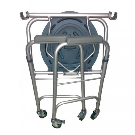 Cadeira de Rodas para higienização